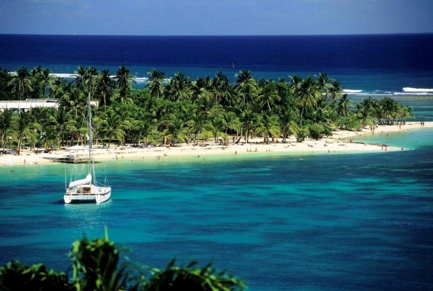 caravelle beach - grande-terre, guadeloupe GI