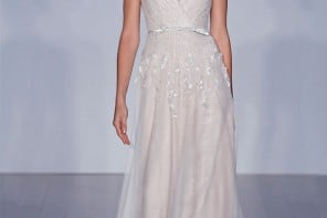Our Beach Wedding Gown of the Week: Jim Hjelm
